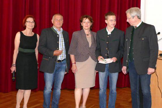 Wartinger Schulen 2018 12 555x370 - Verleihung Wartinger- und Tremelmedaille 2018