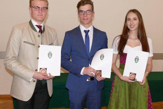 Wartinger Schulen 2018 31 555x370 - Verleihung Wartinger- und Tremelmedaille 2018