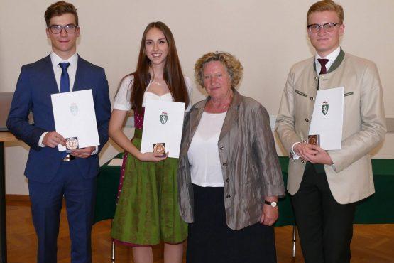 Wartinger Schulen 2018 32 555x370 - Verleihung Wartinger- und Tremelmedaille 2018