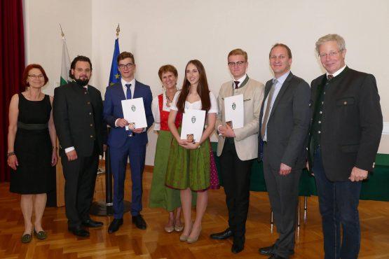 Wartinger Schulen 2018 33 555x370 - Verleihung Wartinger- und Tremelmedaille 2018